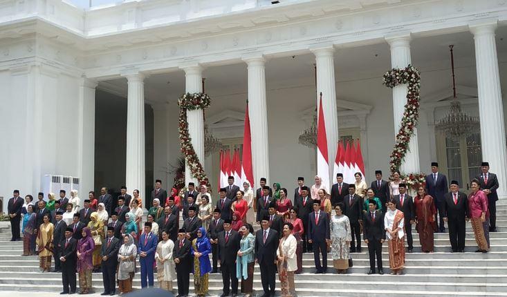 https: img.okezone.com content 2019 10 23 337 2120728 kabinet-indonesia-maju-harus-mampu-imbangi-kecakapan-jokowi-melayani-rakyat-hnmlUV5ZVA.JPG
