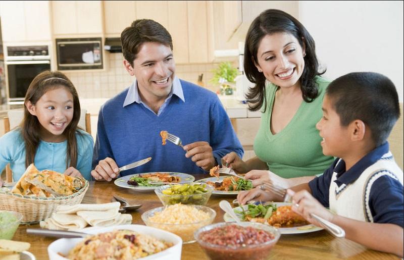 Ibu Muda Wajib Tahu Ini Cara Jitu Ajari Anak Konsumsi Makanan