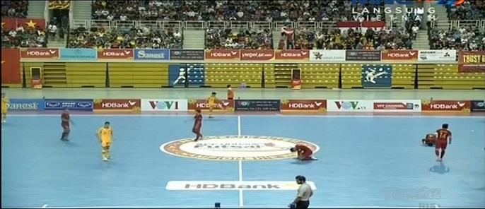 https: img.okezone.com content 2019 10 23 51 2120845 hujan-gol-timnas-futsal-indonesia-bungkam-australia-8-3-Ldtn2QqqkU.jpg
