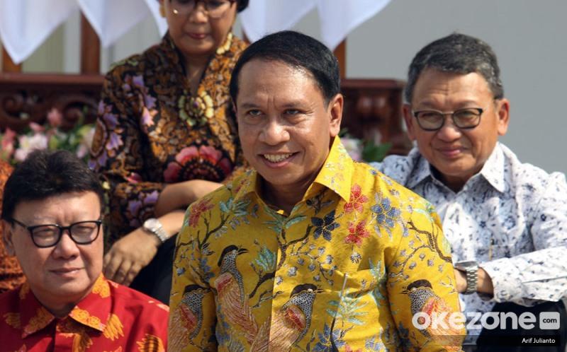 https: img.okezone.com content 2019 10 24 337 2121192 indonesia-resmi-tuan-rumah-piala-dunia-u-20-menpora-saya-lapor-ke-jokowi-vw2FeWyhyW.jpg