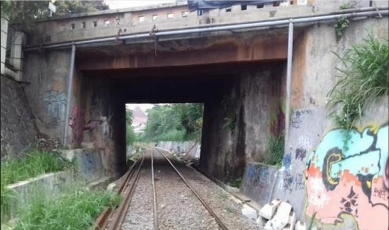 https: img.okezone.com content 2019 10 24 612 2121151 cerita-horor-terowongan-kereta-paledang-bogor-sering-terdengar-suara-tangisan-yNRBnwB727.jpg