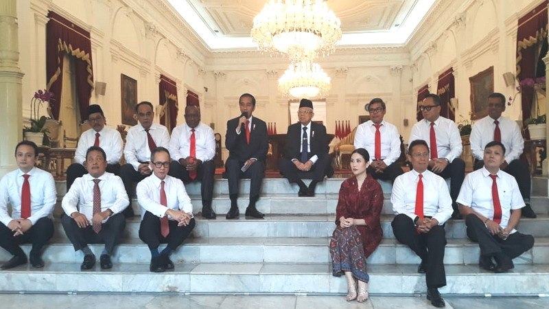 https: img.okezone.com content 2019 10 25 337 2121643 jokowi-wakil-menteri-dalam-rangka-memperkuat-kabinet-indonesia-maju-kAwnVCjMp6.jpg