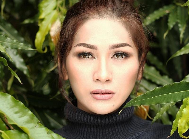 https: img.okezone.com content 2019 10 25 598 2121882 gagal-taklukkan-indonesian-idol-5-penyanyi-ini-tetap-sukses-bermusik-DB8bdajdg2.jpg