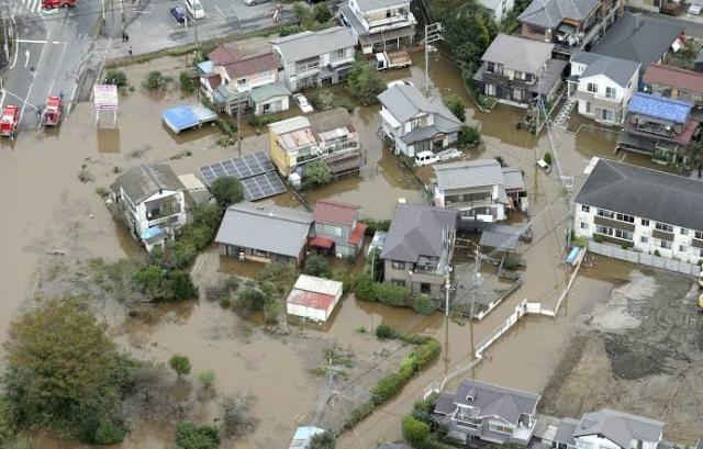 https: img.okezone.com content 2019 10 26 18 2122086 banjir-dan-longsor-di-jepang-menewaskan-10-orang-7miY5sWHqp.jpg