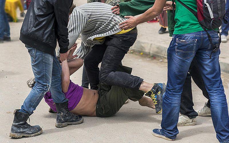 https: img.okezone.com content 2019 10 26 338 2122060 polisi-tetapkan-3-tersangka-bentrokan-anggota-ormas-di-tanah-abang-semuanya-ditahan-Pn7hmoursw.jpg