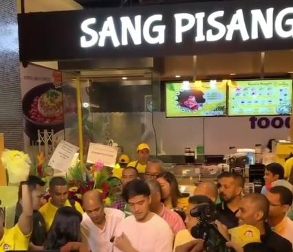https: img.okezone.com content 2019 10 27 320 2122353 jual-pisang-di-malaysia-kaesang-bilang-ke-upin-ipin-FOGK5tEURr.jpg