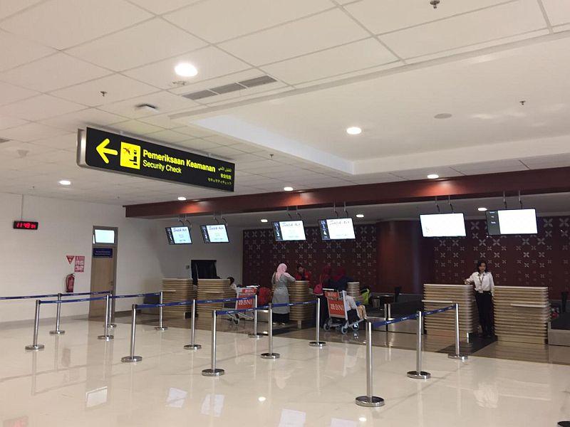 https: img.okezone.com content 2019 10 27 320 2122366 percepatan-infrastruktur-papua-10-bandara-hingga-5-pelabuhan-dibangun-rxiFCmgilu.jpg