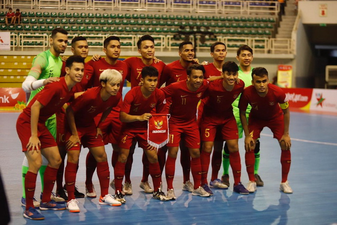 https: img.okezone.com content 2019 10 27 51 2122377 takluk-0-5-dari-thailand-timnas-futsal-indonesia-gagal-juara-piala-aff-futsal-2019-ZyvFitSbhr.jpg