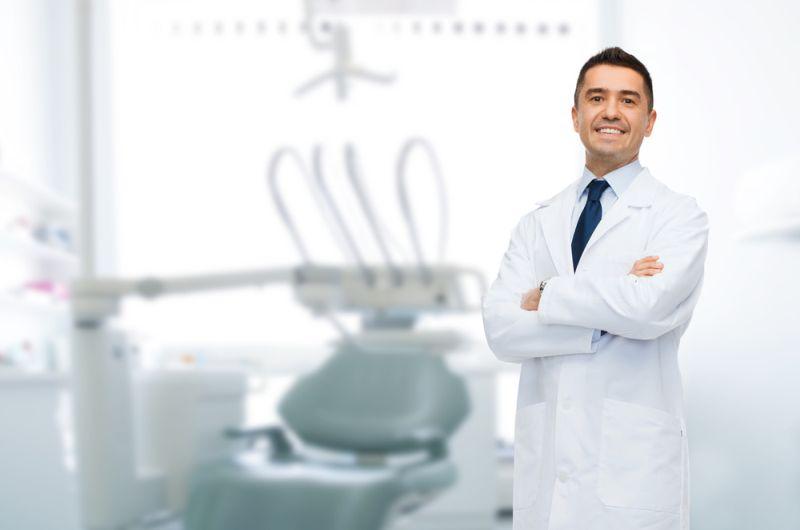 https: img.okezone.com content 2019 10 27 612 2122372 curhat-eko-kuliah-kedokteran-gigi-harus-beli-pasien-agar-bisa-lulus-CAJ9lEP8GI.jpg