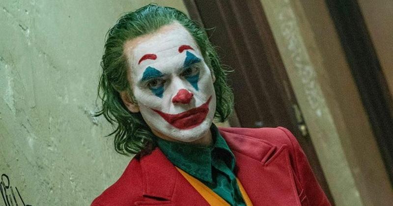 https: img.okezone.com content 2019 10 28 206 2122823 beda-tipis-joker-curi-posisi-juara-box-office-dari-maleficent-mistress-of-evil-LniVylltAI.jpg