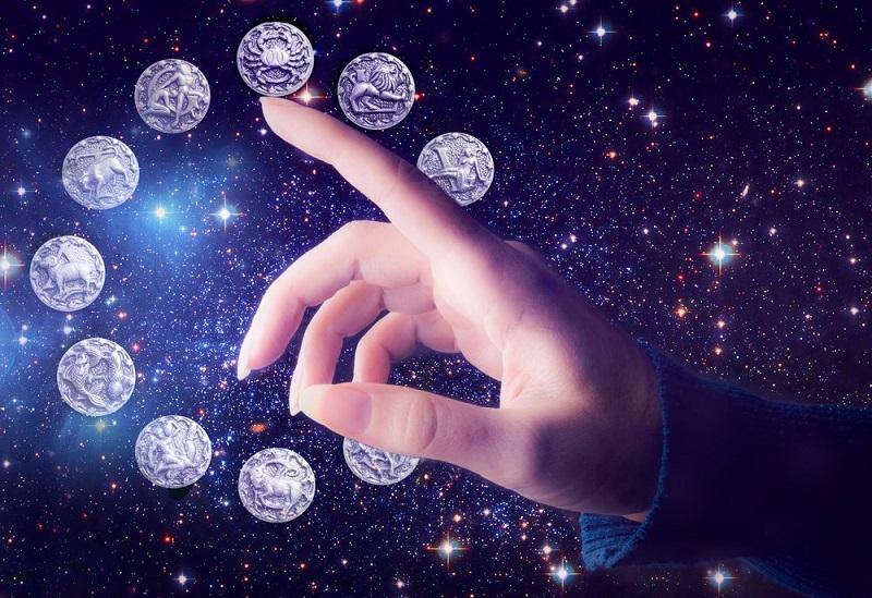 https: img.okezone.com content 2019 10 28 31 2122625 ramalan-zodiak-pekan-ini-cancer-dan-scorpio-harus-lupakan-masa-lalu-Bjvze0slyN.jpg