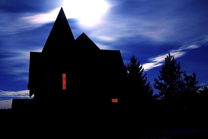 https: img.okezone.com content 2019 10 28 406 2122845 jelang-halloween-rumah-hantu-ini-tantang-uji-nyali-berhadiah-rp280-juta-AcZ4XnpDNx.jpg