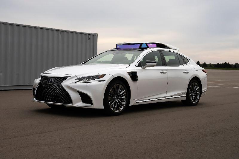 https: img.okezone.com content 2019 10 28 52 2122555 lexus-ujicobakan-sedan-ls-berteknologi-kendara-otonom-selama-olimpiade-2020-SlehFC24Lv.jpg