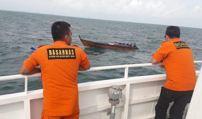 https: img.okezone.com content 2019 10 28 525 2122481 nelayan-garut-tewas-usai-perahu-terbalik-di-tengah-laut-esKDvDaDr1.JPG