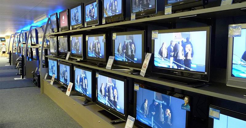 https: img.okezone.com content 2019 10 28 54 2122809 soal-penyiaran-menkominfo-johnny-fokus-migrasi-tv-analog-ke-digital-8p2aaG5vAP.jpg