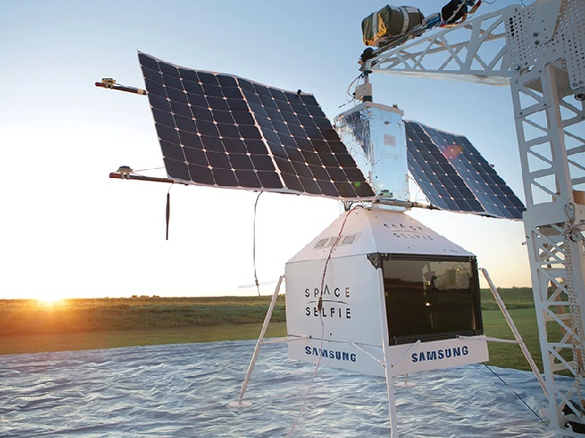 https: img.okezone.com content 2019 10 28 56 2122560 satelit-space-selfie-samsung-jatuh-di-pekarangan-rumah-warga-SiRT4QBtKk.jpg