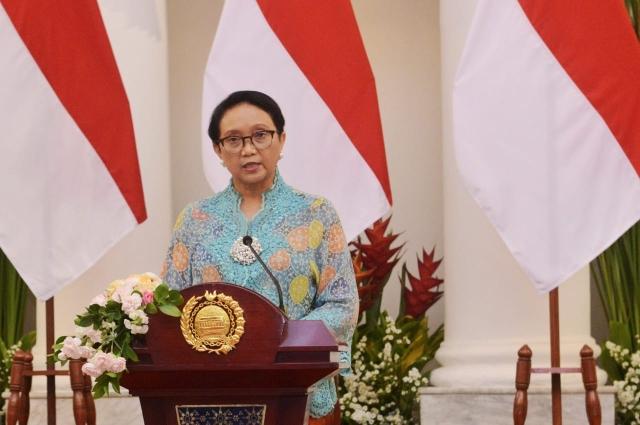 https: img.okezone.com content 2019 10 29 18 2123316 menlu-retno-paparkan-prioritas-politik-luar-negeri-indonesia-5-tahun-ke-depan-YJDVJtQZ0T.jpg