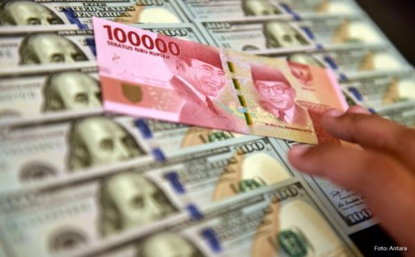 https: img.okezone.com content 2019 10 29 278 2122951 melemah-tipis-terhadap-dolar-as-rupiah-di-level-rp14-031-per-usd-Ra22Zfah2P.jpg