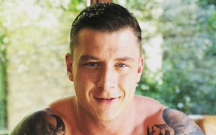 https: img.okezone.com content 2019 10 29 485 2123186 jadi-bintang-film-porno-homoseksual-mantan-tentara-ini-mengaku-100-normal-CO8i0m1Jwm.jpg