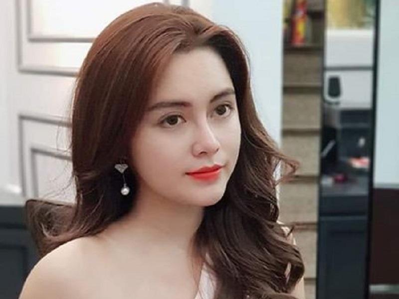 https: img.okezone.com content 2019 10 30 194 2123712 pesona-cao-diep-anh-miss-vietnam-dengan-kulit-terindah-y2ZSozCcgs.jpg
