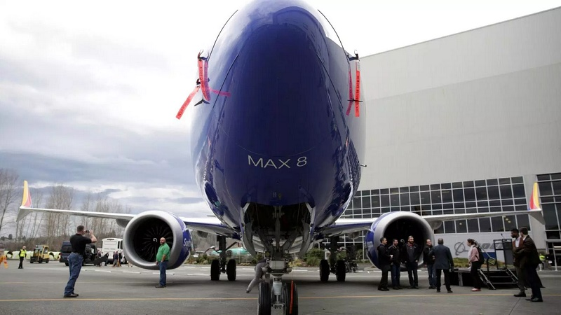 https: img.okezone.com content 2019 10 30 320 2123559 soal-kecelakaan-pesawat-max-737-bos-boeing-tolak-mengundurkan-diri-lSNpXociHF.jpg