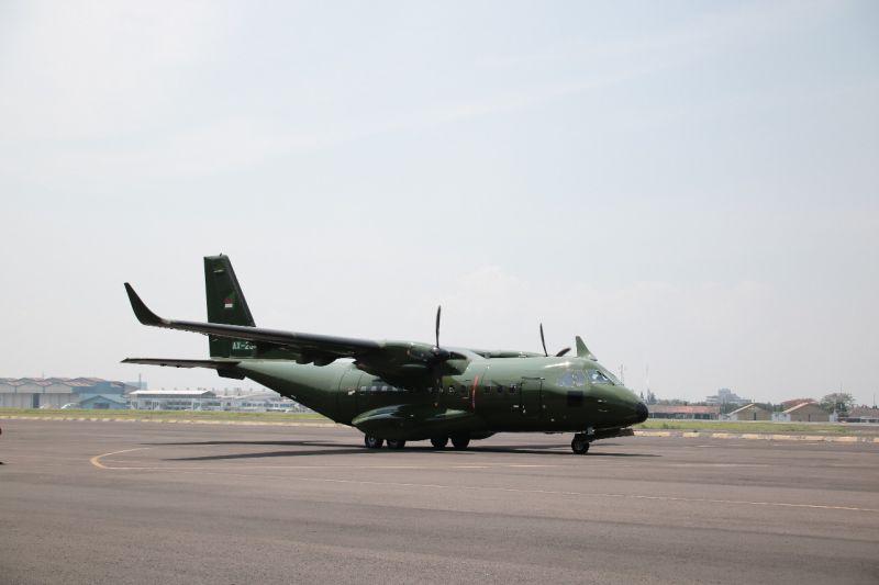 https: img.okezone.com content 2019 10 31 320 2123984 ptdi-jual-pesawat-cn-235-ke-nepal-xurHJgk7XT.jpg