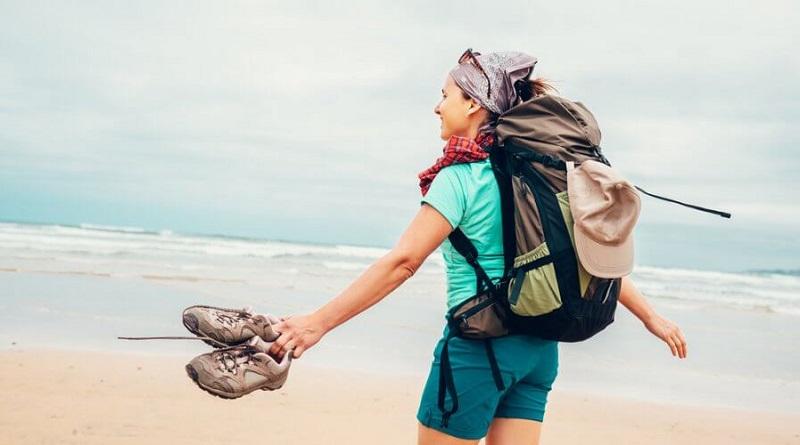 https: img.okezone.com content 2019 10 31 406 2124217 5-tips-jaga-diri-untuk-wanita-yang-ingin-solo-traveling-jhOCU1AiVk.jpg