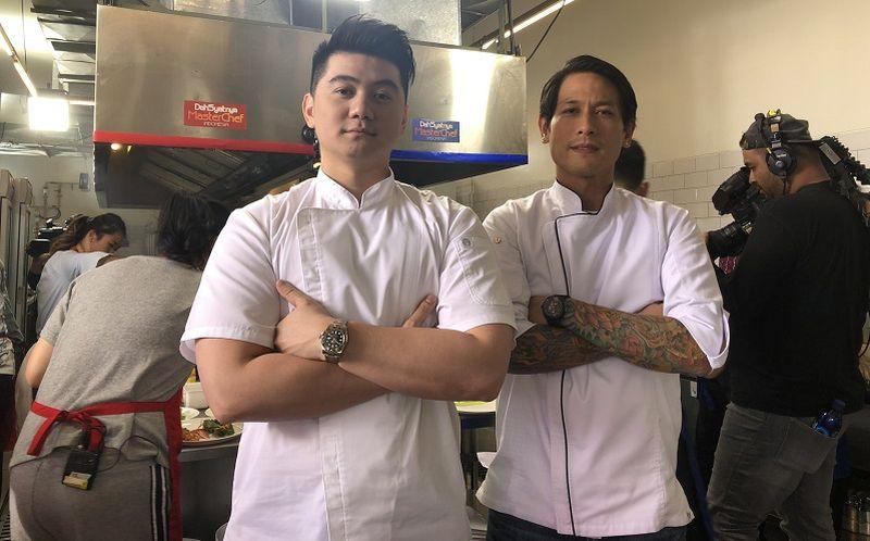 https: img.okezone.com content 2019 10 31 612 2124013 chef-arnold-posting-foto-chef-juna-senyum-netizen-kiyut-banget-Uk3AG0Nnns.jpg