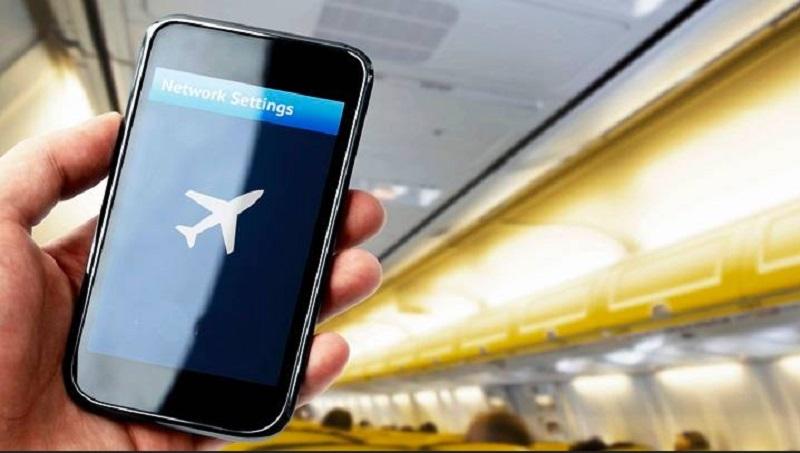 https: img.okezone.com content 2019 10 31 612 2124170 viral-video-smartphone-meledak-di-dalam-pesawat-ini-faktanya-r8fhDNp6as.jpg