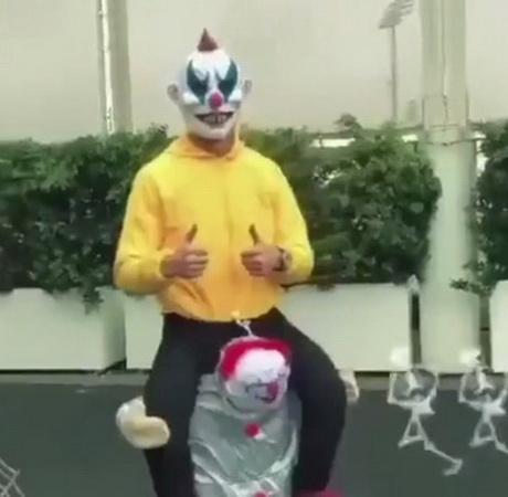 https: img.okezone.com content 2019 11 01 47 2124451 sambut-halloween-cristiano-ronaldo-pake-kostum-ala-joker-6rrZ3zoNOv.jpg