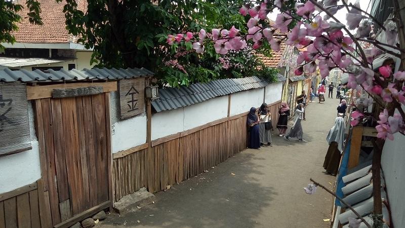https: img.okezone.com content 2019 11 03 406 2125231 berburu-spot-foto-suasana-tradisional-jepang-di-bogor-2XJ2kwVDEv.jpg