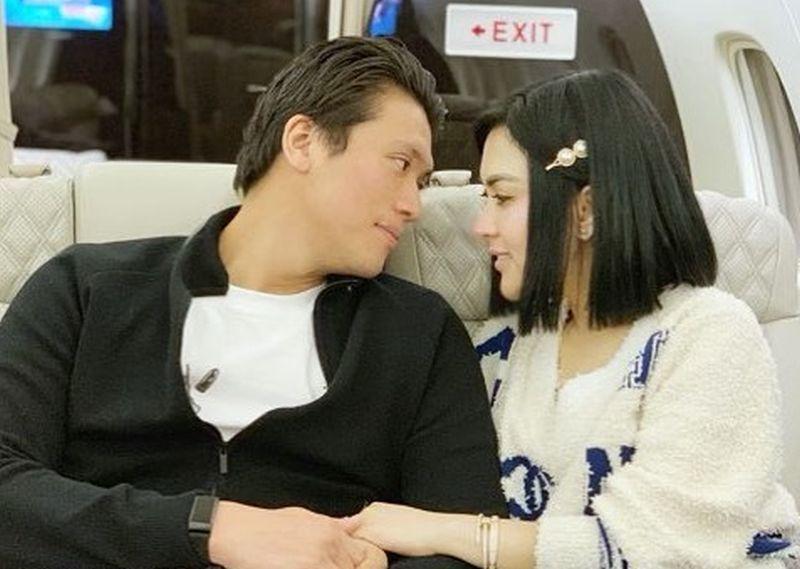https: img.okezone.com content 2019 11 03 406 2125256 5-selebriti-indonesia-yang-hobi-naik-jet-pribadi-bikin-sobat-misqueen-iri-Ql1r2TrDIE.jpg