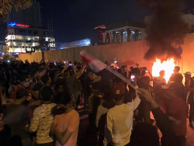 https: img.okezone.com content 2019 11 04 18 2125681 3-orang-tewas-ditembak-pasukan-keamanan-irak-di-kota-suci-kerbala-BDjjUvO5jV.jpg