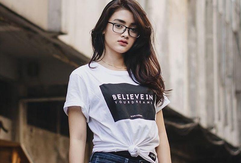 https: img.okezone.com content 2019 11 04 194 2125737 deretan-peserta-indonesian-idol-imut-siapa-jagoanmu-OX6j3KhXQK.jpg