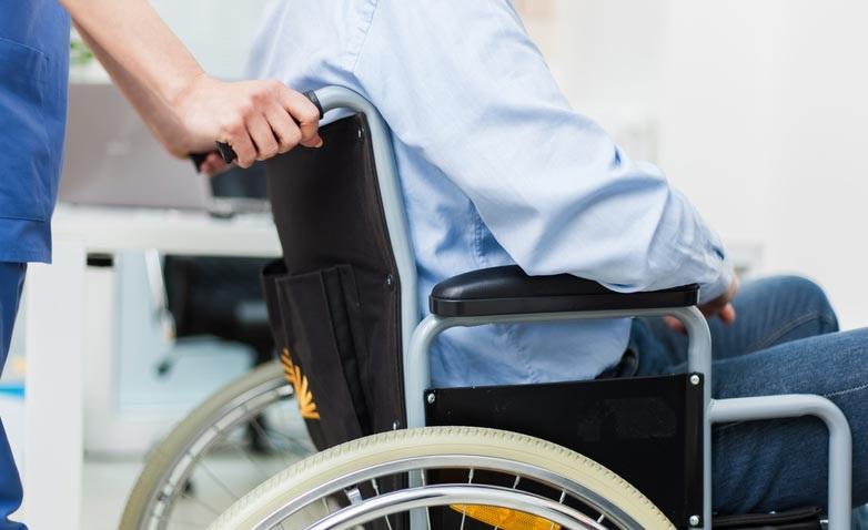 https: img.okezone.com content 2019 11 04 481 2125736 mengenal-hidroterapi-memungkinan-pasien-stroke-bisa-berjalan-kembali-SL9x9mW9d2.jpg