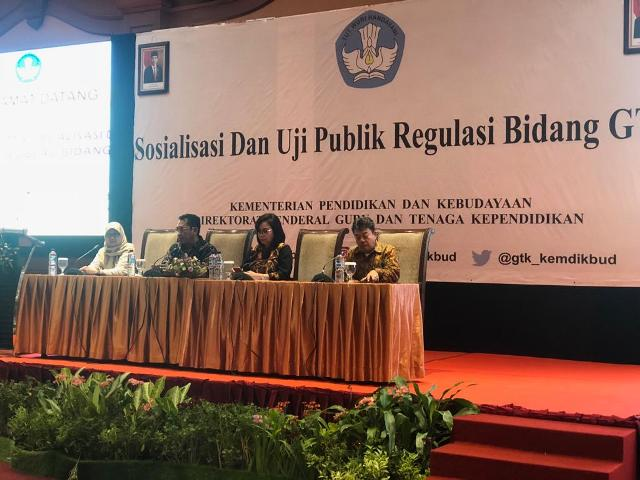 https: img.okezone.com content 2019 11 04 65 2125390 kemdikbud-gelar-sosialisasi-dan-uji-publik-gtk-di-lombok-p4rbYOs8Ah.jpg