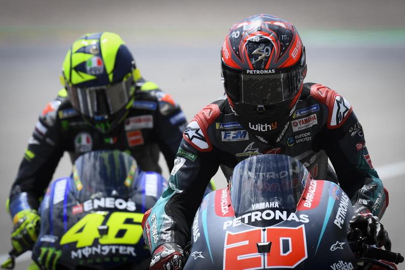 https: img.okezone.com content 2019 11 05 38 2125968 rossi-yakin-quartararo-bisa-bertarung-untuk-gelar-juara-di-motogp-2020-P797psjcNw.jpg