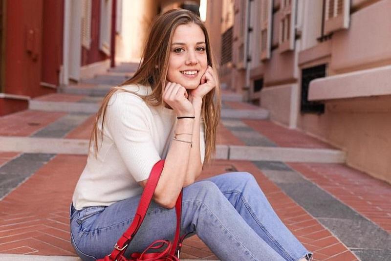 https: img.okezone.com content 2019 11 06 194 2126515 pesona-giada-gianni-model-cantik-mantan-pacar-pembalap-fi-charles-leclerc-2Zin84Ynsd.jpg