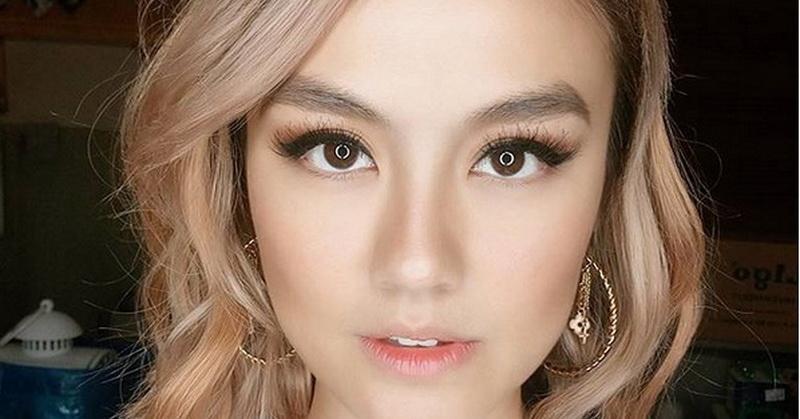 https: img.okezone.com content 2019 11 06 33 2126401 keren-patung-lilin-agnez-mo-bakal-hadir-di-madame-tussauds-singapura-eRt3v0vYPB.jpg