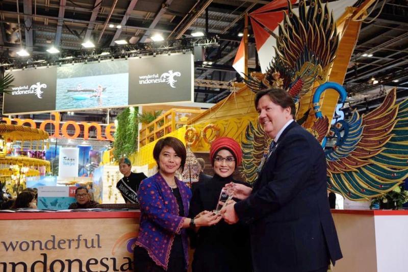 https: img.okezone.com content 2019 11 07 1 2126973 wonderful-indonesia-sabet-penghargaan-di-wtm-london-2019-XVTWJT3su9.jpg