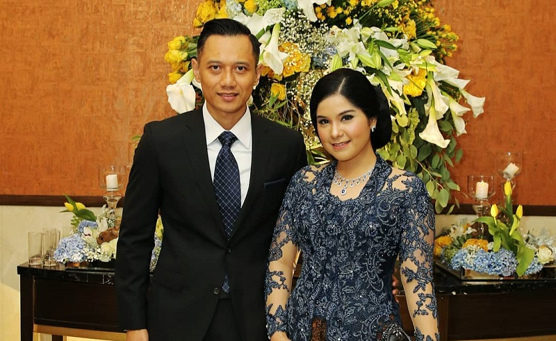 https: img.okezone.com content 2019 11 07 612 2127128 agus-yudhoyono-pamer-hasil-gambar-istrinya-netizen-mata-satu-identik-dajjal-mas-PWADS8Yftw.jpg
