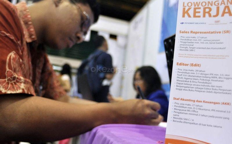 https: img.okezone.com content 2019 11 08 337 2127637 pengangguran-terdidik-di-indonesia-diprediksi-meningkat-di-2030-mpNznmDu8R.jpg