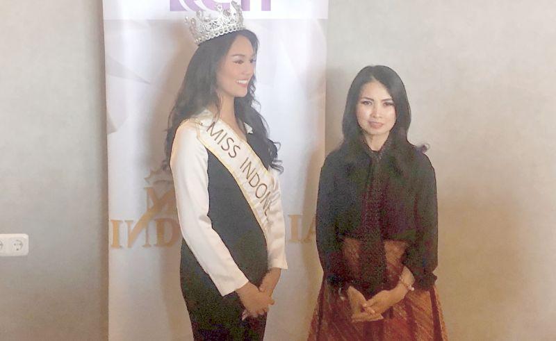 https: img.okezone.com content 2019 11 08 612 2127343 liliana-tanoesoedibjo-bangga-miss-indonesia-jadi-perpanjangan-tangan-tuhan-bantu-sesama-1G2YAUkn0J.jpg
