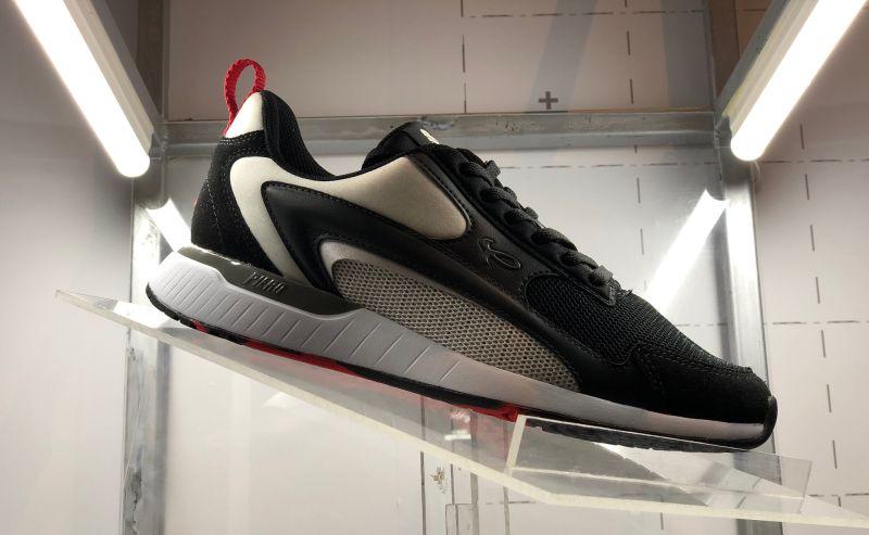 https: img.okezone.com content 2019 11 08 612 2127606 urban-sneakers-society-2019-ajang-bangkitnya-produk-lokal-O7rrHhUHoP.jpg