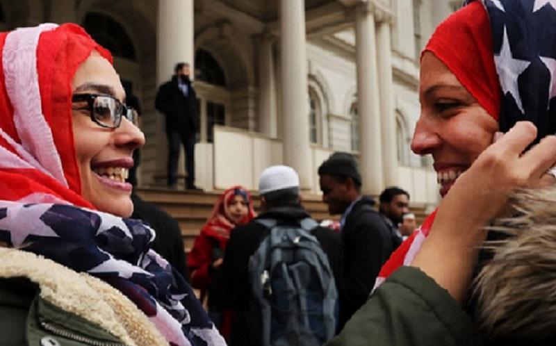https: img.okezone.com content 2019 11 08 614 2127295 alhamdulillah-26-muslim-memenangkan-pemilihan-di-amerika-weysvxAtAr.jpg