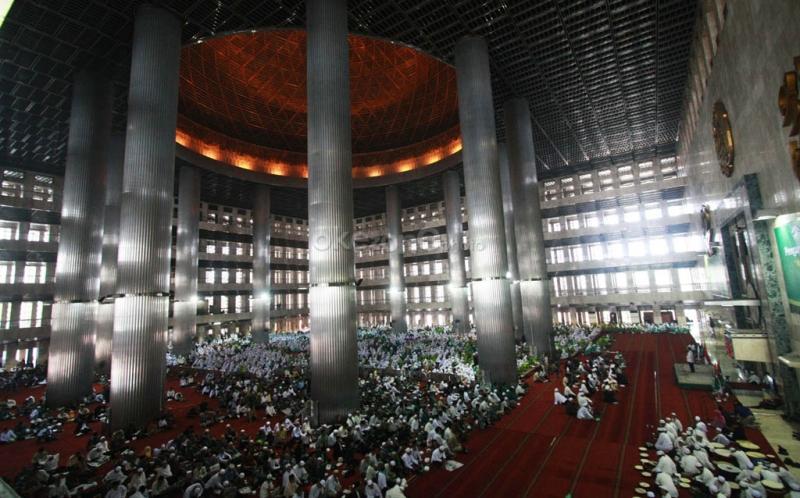 https: img.okezone.com content 2019 11 09 337 2127666 tradisi-perayaan-maulid-nabi-tiap-daerah-di-indonesia-mana-yang-lebih-unik-V8ayZs4r2k.jpg