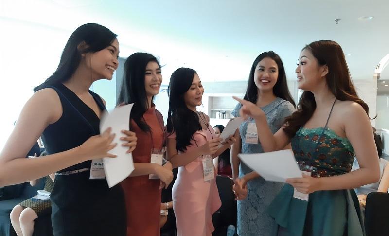 https: img.okezone.com content 2019 11 10 194 2128016 audisi-miss-indonesia-jakarta-tahap-2-digelar-banyak-peserta-berpotensi-tinggi-dLh7c9hJBl.jpg