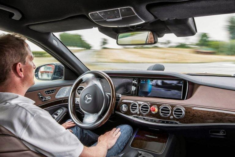 https: img.okezone.com content 2019 11 10 52 2127968 90-persen-pengemudi-mobil-inginkan-teknologi-otonom-tetap-gunakan-stir-OovnTXsJOj.jpg