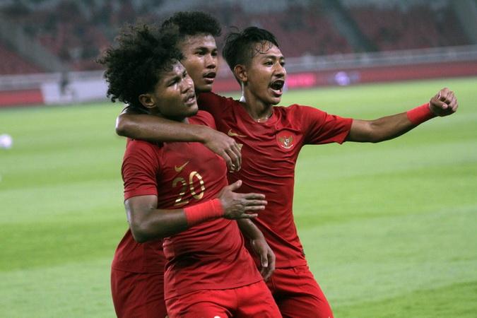 https: img.okezone.com content 2019 11 11 51 2128217 timnas-indonesia-u-19-tergabung-di-pot-2-kualifikasi-piala-asia-u-19-2020-1pHKzpbDAO.jpg