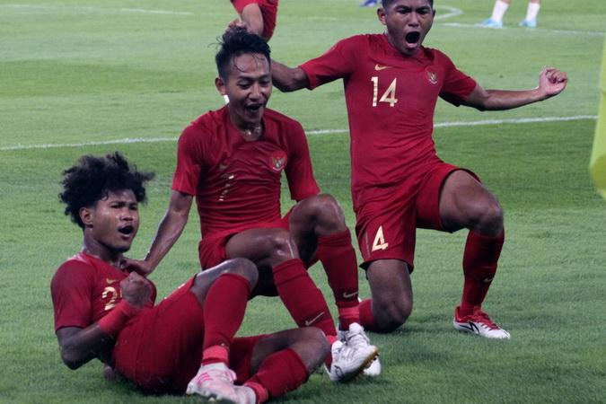 https: img.okezone.com content 2019 11 11 51 2128221 timnas-indonesia-u-19-telah-18-kali-tampil-di-piala-asia-u-19-T95DbsgJga.jpg